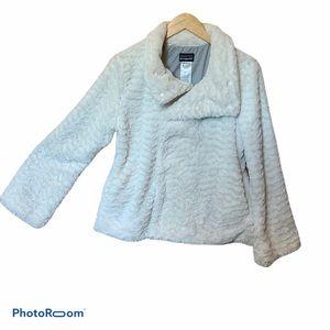 Patagonia faux fur white jacket size M EUC